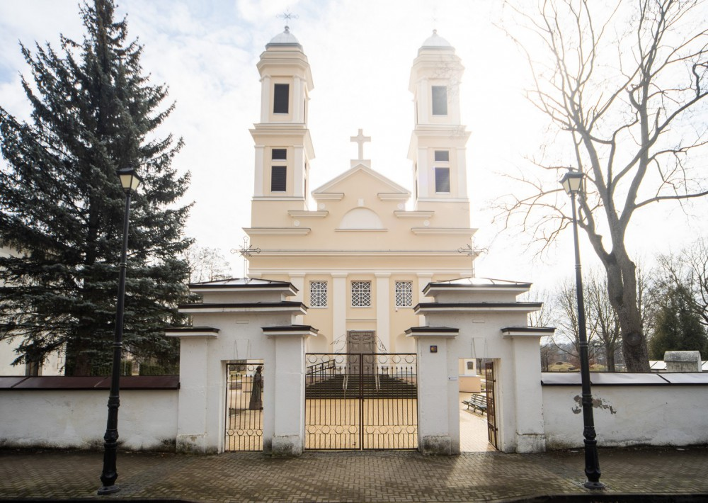 Jonavos Šv. apaštalo Jokūbo bažnyčia